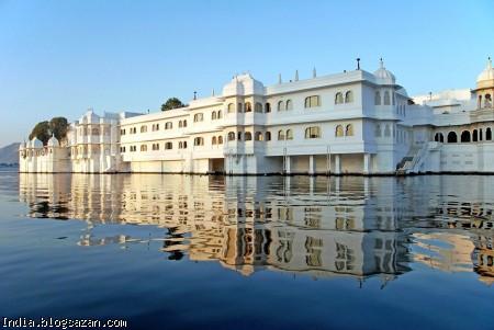 کاخ دریاچه هند,جاذبه های گردشگری هند