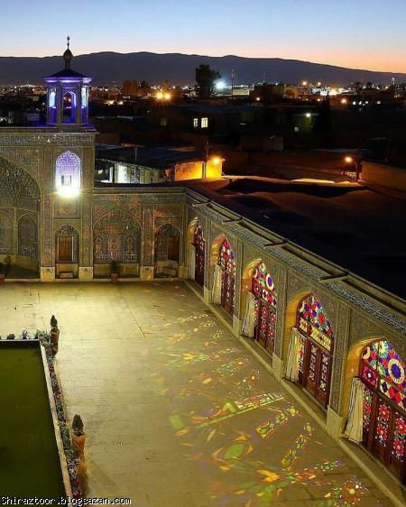 مسجد نصیرالملک شیراز,مسجد نصیرالملک,گردشگری شیراز,جاذبه های گردشگری شیراز,مسجد صورتی
