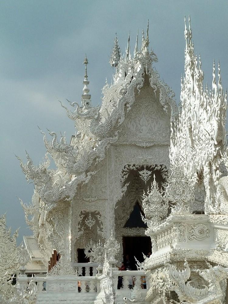 معبد سفید تایلند، معبدی منحصر به فرد