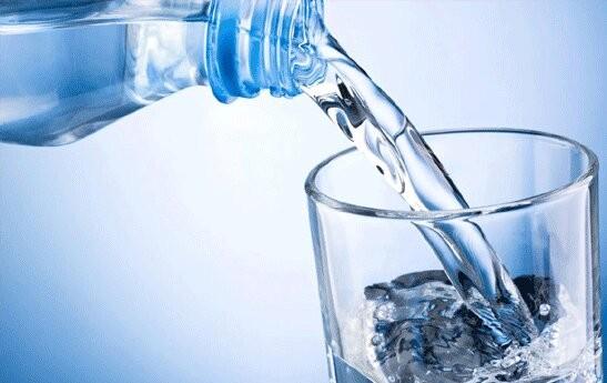 11 تدبیر راهگشا در نوشیدن آب