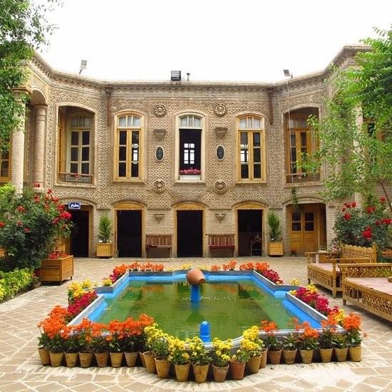 جاذبه های خانه تاریخی داروغه در مشهد