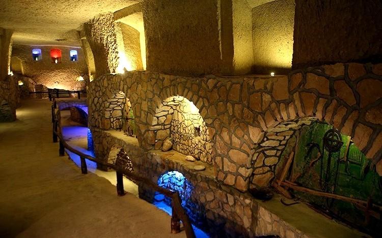 شهر زیرزمینی کاریز یک شگفتی تاریخی در کیش