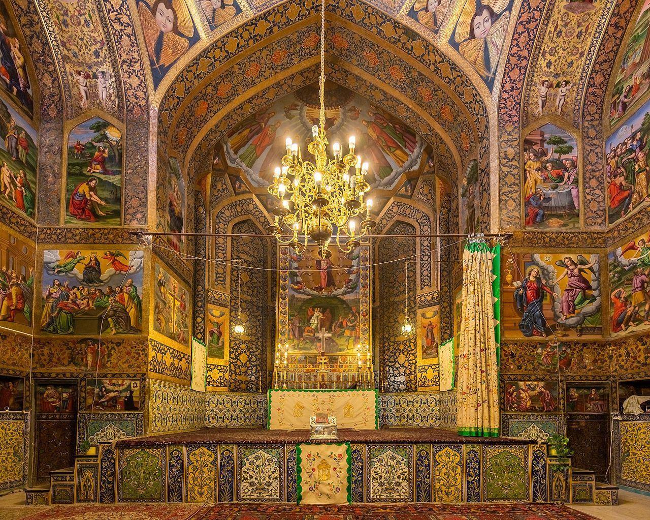 جاذبه گردشگری کلیسای وانک اصفهان