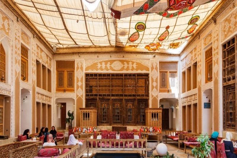 آشنایی با هتل های زنجیره ای مهر