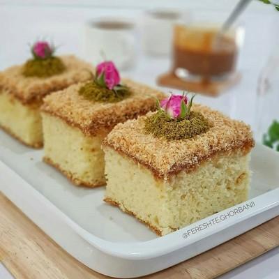 کیک شنی نارگیلی با روکش شیر عسلی