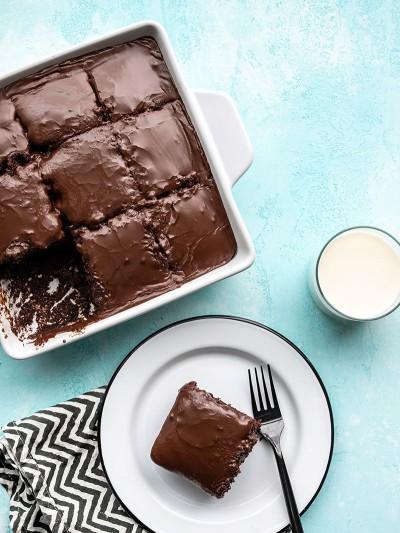 دستور پخت کیک براونی با کرم کاکائویی
