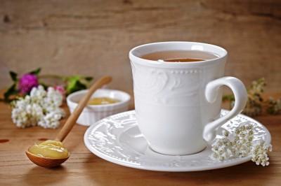 مزیت و کاربرد نوشیدنی چای بومادران