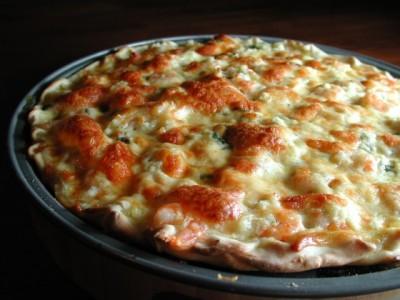 آموزش پخت پیتزا دریایی با میگو و خرچنگ