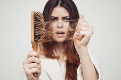 آیا واقعاً می توانید جلوی ریزش مو را بگیرید؟