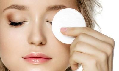 چگونه آرایش چشم ها را پاک کنیم؟