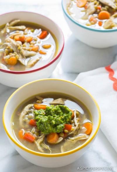 طرز تهیه سوپ عدس با مرغ و سبزیجات