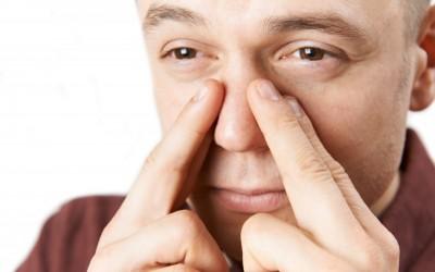 چه عواملی باعث مشکلات سینوسی می شود؟