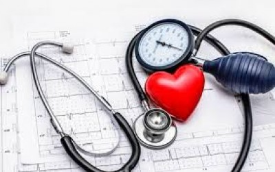 آیا فشار خون بالا بر روی چشمان شما تأثیر می گذارد؟