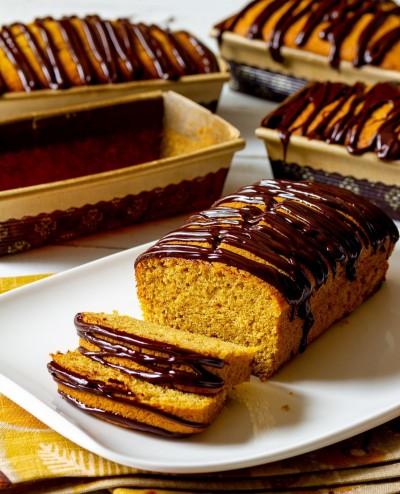 طرز تهیه کیک پوند کدو تنبل با گاناش شکلاتی