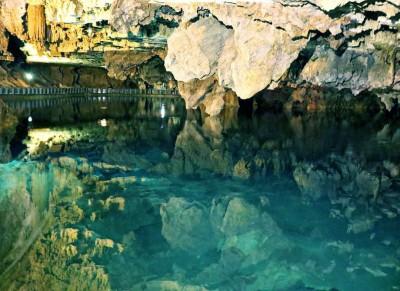 غار قوری قلعه ، بزرگترین غار آبی آسیا