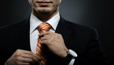چگونه کت و شلوار را با کراوات هماهنگ کنیم؟