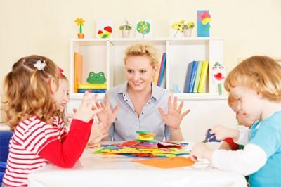 اهمیت فواید کاردرمانی در کودکان