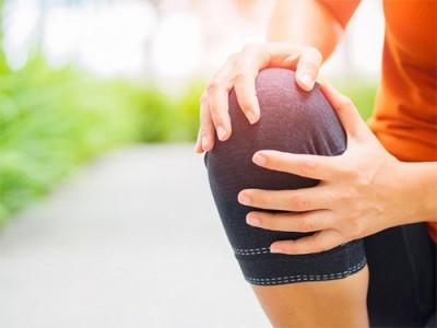 علت درد های زانو در زنان جوان چیست؟